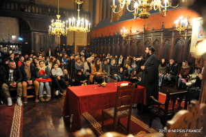 Tinerii în dialog cu Mitropolitul Iosif